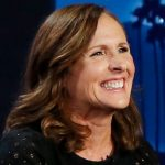 Superstars! Couple goes viral after finding Molly Shannon's cellphone