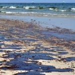 Major oil spill closes California's Huntington Beach